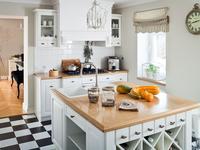 Kuchnia w stylu wiejskim. Aranżacja wnętrza
