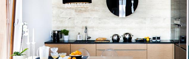 Nowoczesna kuchnia - drewniana kuchnia i fronty lakierowane